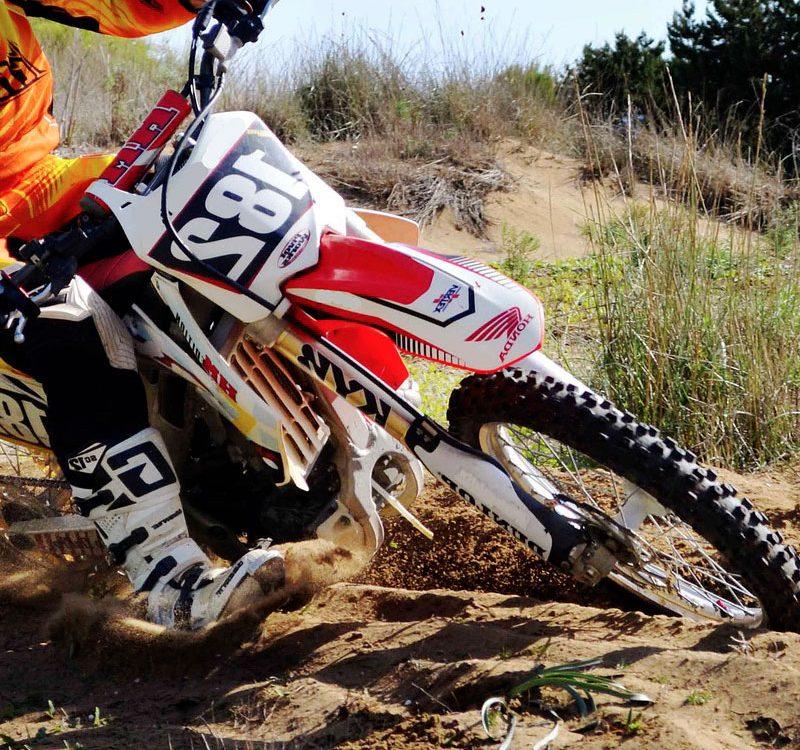 Dolor antebrazo motocross